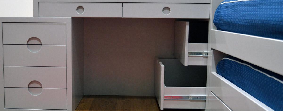 Dormitorio conjunto gris el p jaro carpintero for Conjunto dormitorio juvenil