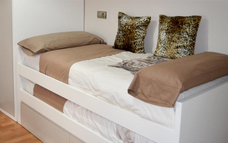El dormitorio juvenil de edu y juan el p jaro carpintero - Dormitorio juvenil con dos camas ...