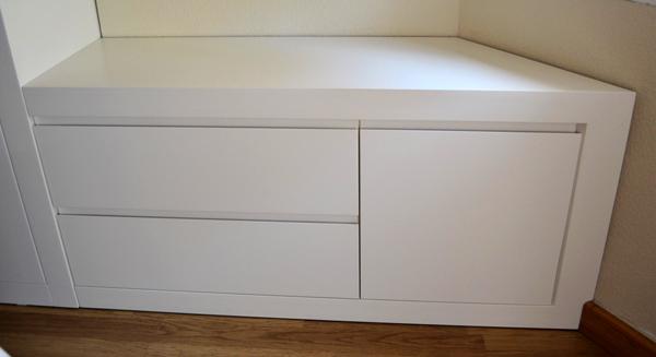 Dormitorio de matrimonio moderno y sofisticado para tu for Mueble bajo mb9 05
