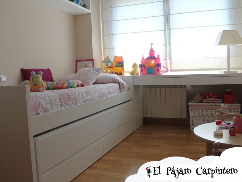 Dos opciones de camas para ahorrar espacio en dormitorios for Cama puente con escritorio
