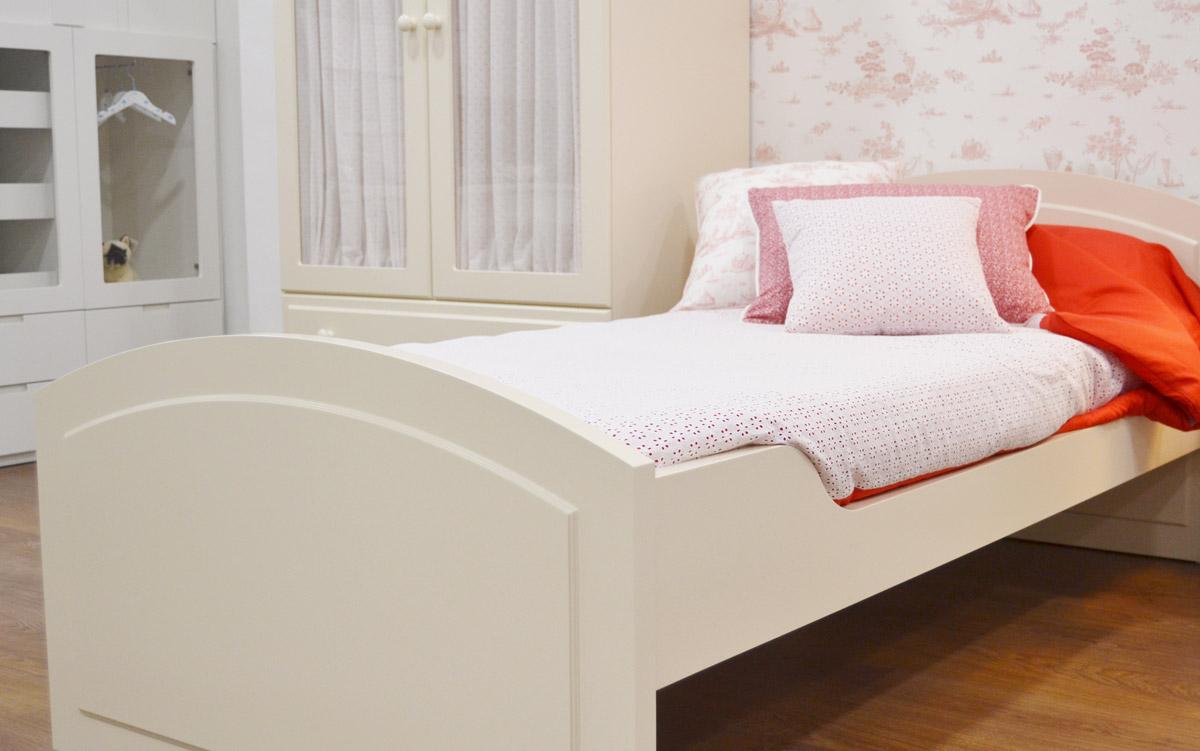 Cama dormitorio clásico niña