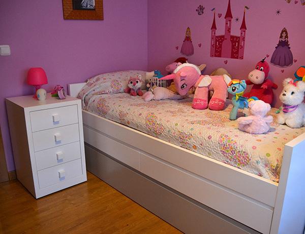Mira que bonita quedó la habitación de la pequeña María y su cama nido