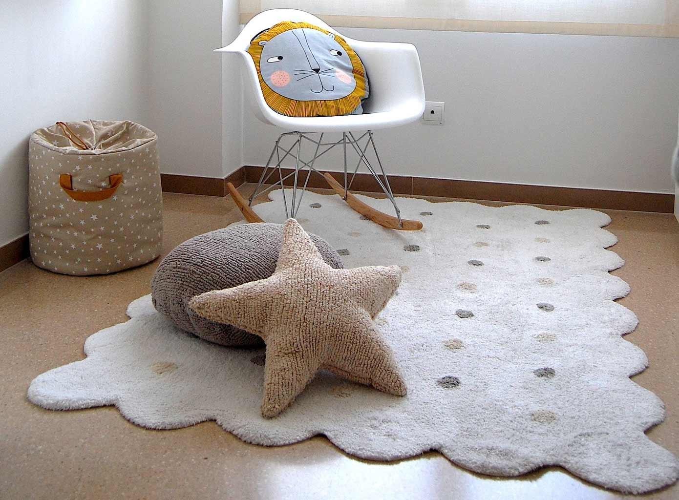 Habitación infantil alfombra lorena canals