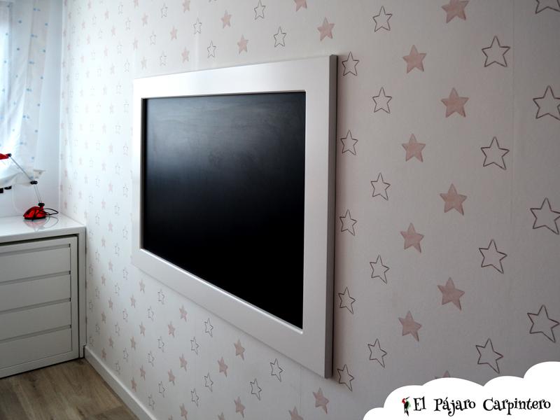 Dormitorio juvenil con pizarra y papel pintado - Papel pintado para dormitorio juvenil ...