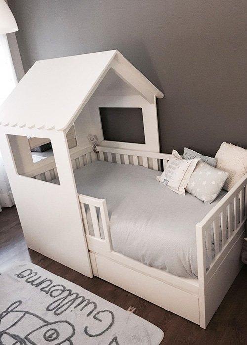 Cama con forma de casita