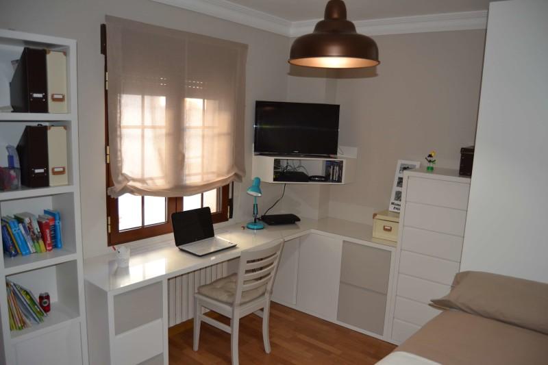 escritorio esquinero color topo