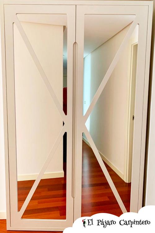 Armario con espejos para el recibidor